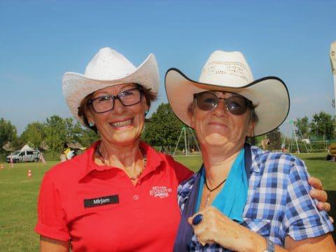 So sehen fröhliche Cowgirls aus!