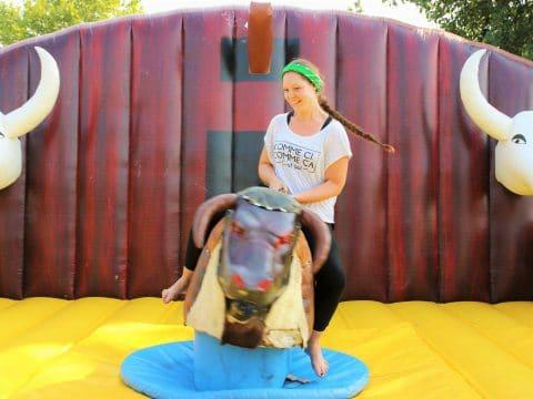 Western Games Spaß mit dem Rodeo Bullen!