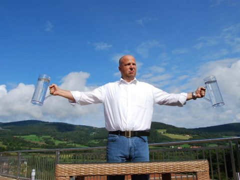 Maßkrug stemmen - Bauern Olympaide mit RETTER EVENTS