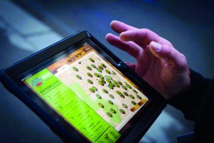 iPad-mit-hand
