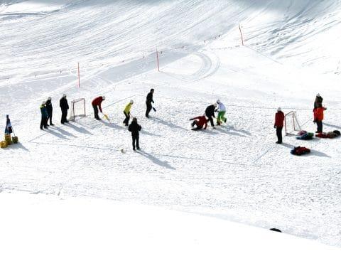 Schnee Hockey