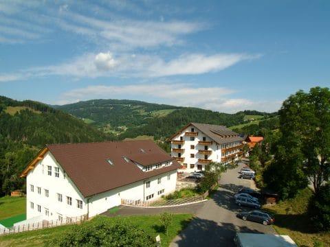Hotelhäuser vom Moselebauer