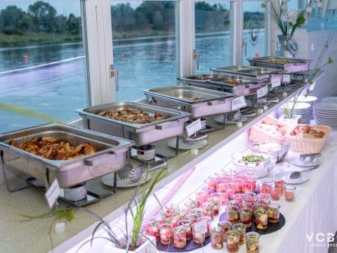 Buffet im Vienna City Beach Club
