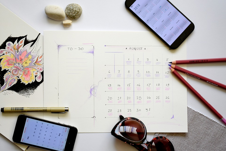 To-Dos im Büro mit Kalendereintrag