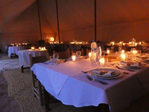 Incentive Trip Marokko: Essen in der Wüste mit RETTER EVENTS