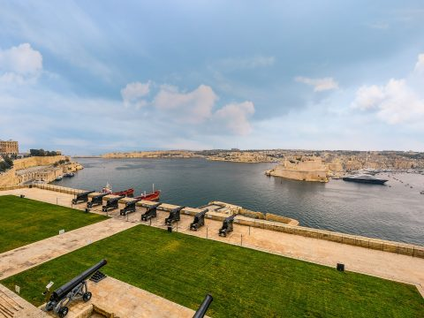 Valletta Saluting Battery - view on the great harbour -