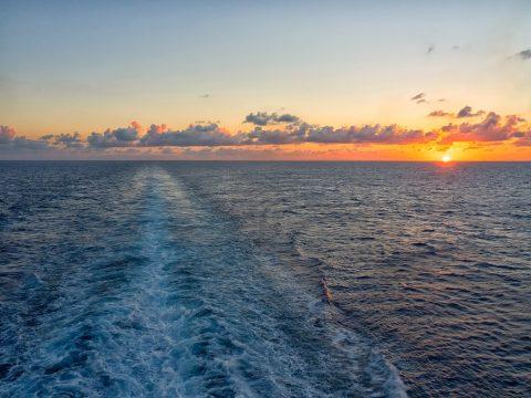 Sonnenuntergang auf hoher See mit RETTER EVENTS