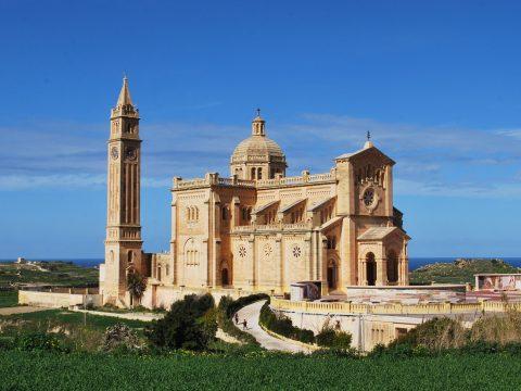 Ta Pinu Kirche auf Gozo mit RETTER EVETa Pinu Kirche auf Gozo - RETTER EVENTS bringt Sie hin!NTS besuchen