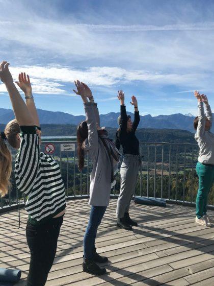 Yoga mit Aussicht am Pyramidenkogel_RETTER EVENTS Incentive