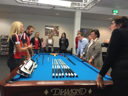 Billiard mit der Weltmeistering Jasmin Ouschan_Copyright by Kärnten Convention