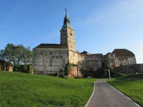 Burg Güssing - Ritteressen und Burg besichtigen mit RETTER EVENTS