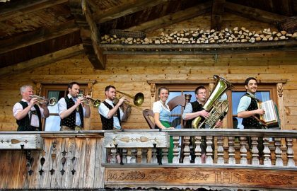 traditionelle-Musik-beim-Huettenabend