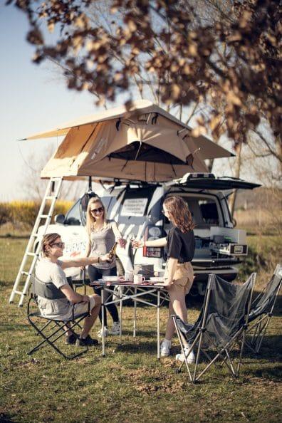 camping-friends-retter-camper