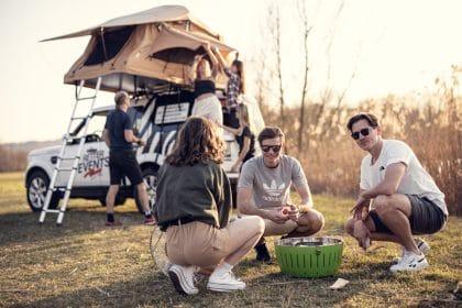 camping-mit-freunden-retter-camper (c)JeanVanLülik_Photography